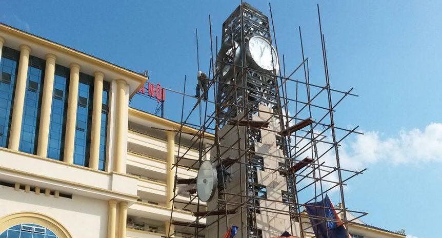 Tháp cao 23m, đồng hồ D 2,0m